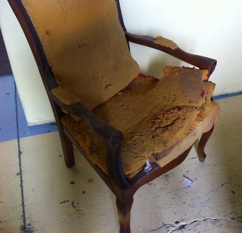chaise-voltaire-avant-renovation